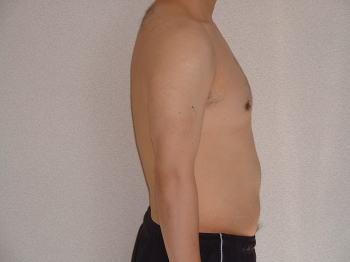 08年12月1日上半身裸・横