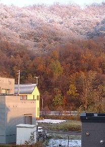 081104初雪山